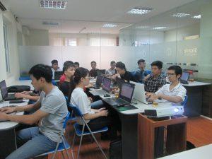 Lớp học lập trình web tại Stanford