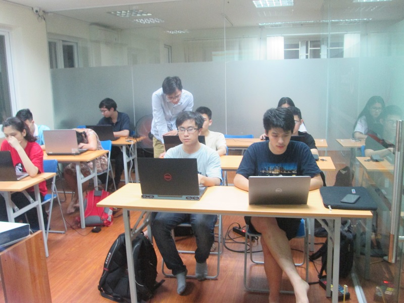 Học lập trình C hiệu quả cùng chuyên gia tại Stanford